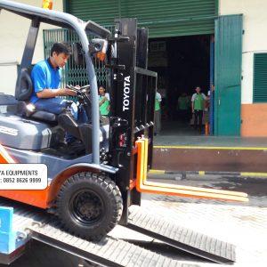 Forklift Toyota Mojoagung